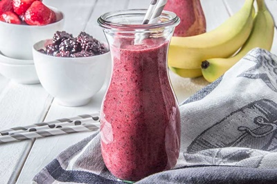 Triple Berry Chia Detox Smoothie