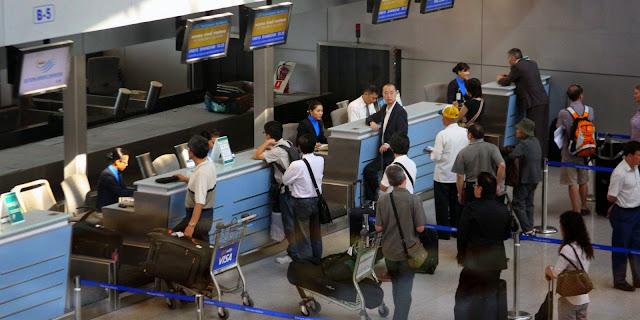 Thời gian làm thủ tục tại sân bay