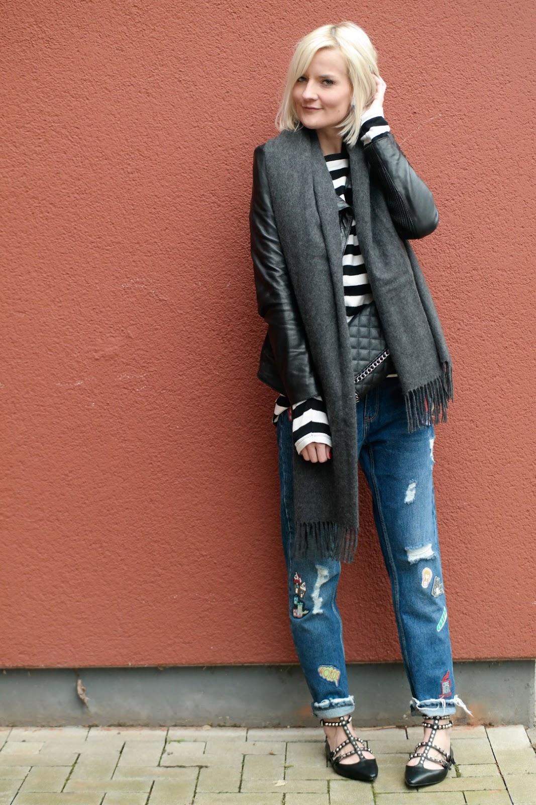 Patches Jeans Zara, Lederjacke Tigha und Streifenshirt
