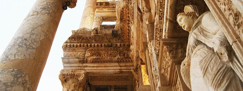 Türkiye'deki antik yerler,İzmir antik tiyatrosu,Türkiye tarihi yerler,Tarihi İzmir tiyatrosu, Arkeoloji, Arkeolojik keşif, A,