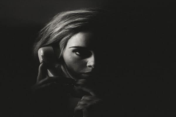 Lirik Lagu Adele Hello dan Terjemahan