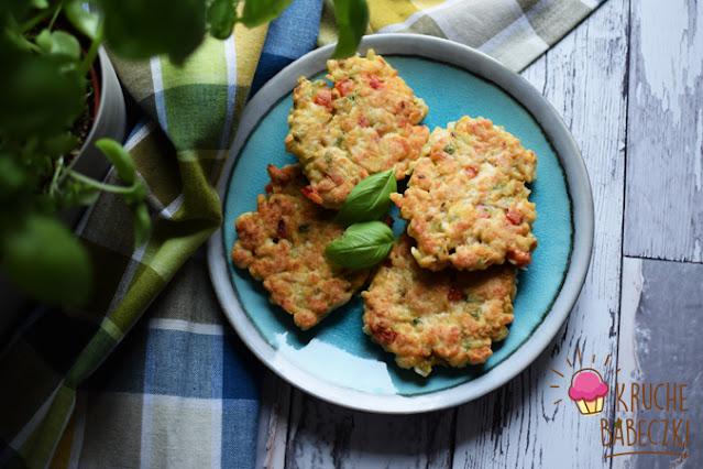 Kotleciki siekane z indyka z oliwką, papryką, bazylią i curry