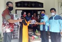 Peduli Wilayah Binaan, Dispar Kobi Bagikan Masker dan Tempat Cuci Tangan