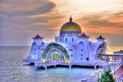 Beautiful Mosque of Malaysia