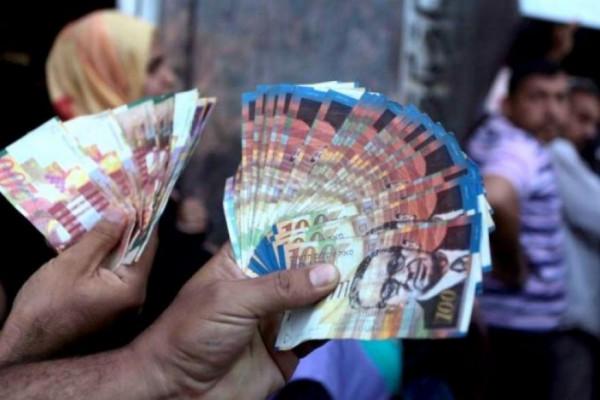 الحكومة: لم نُحدد بعد نسبة صرف رواتب موظفي الضفة الغربية وقطاع غزة