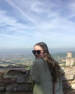 Jessica Faulkner Wikipedia, Age, Biography, Height, Boyfriend, Instagram