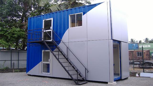 Container văn phòng 20 feet thiết kế đặt chồng lên nhau. Cửa đi và cửa sổ được trang bị cửa EuroWindow. Thiết kế 2 container 20 feet đặt chồng lên nhau giúp tiết kiệm không gian và tăng tính thẩm mỹ của hệ văn phòng.