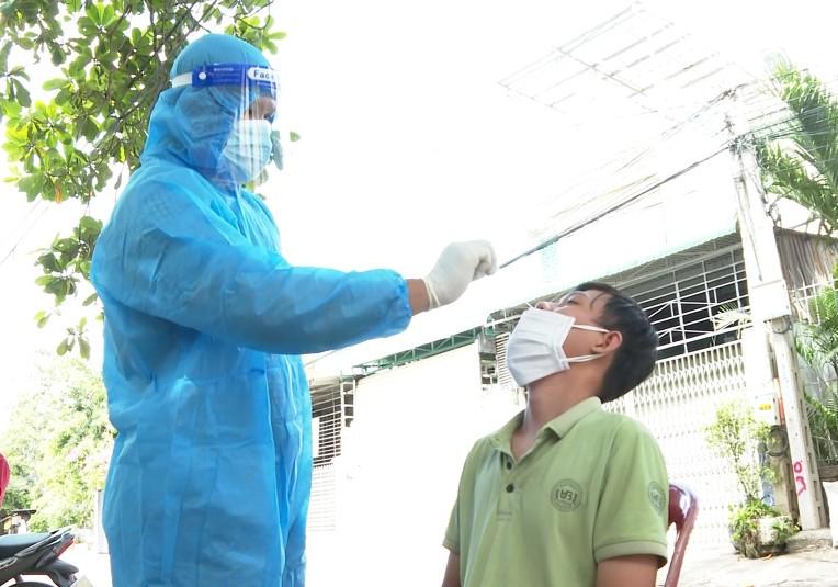 Xét nghiệm tầm soát SARS-CoV-2 cho 6.960 người, cách ly tập trung 851 người