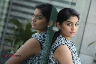 Telugu Television Actress Karuna Latest Pos In Denium Jeans  0124.JPG