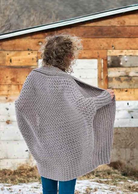 wzór swetra szydełkiem