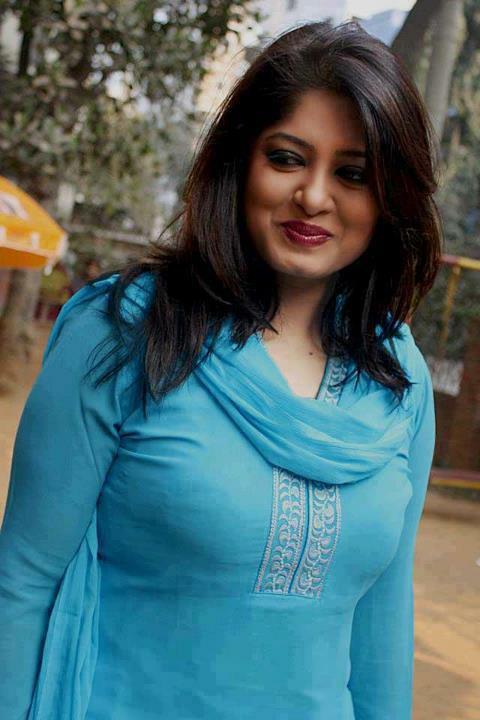 Actress Mousumi Best Photos & Short Biography 16