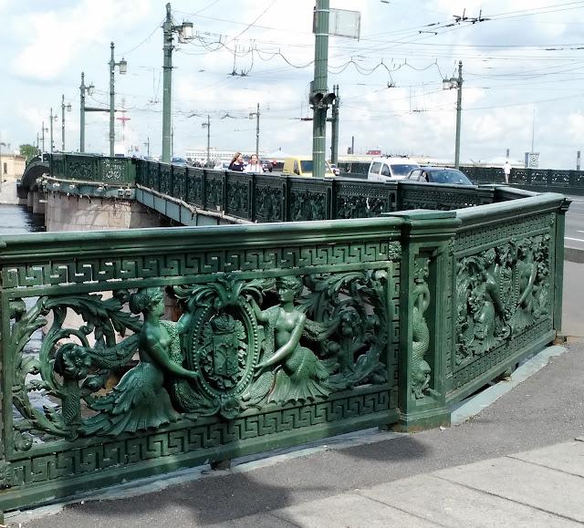 Решетки Литейного моста