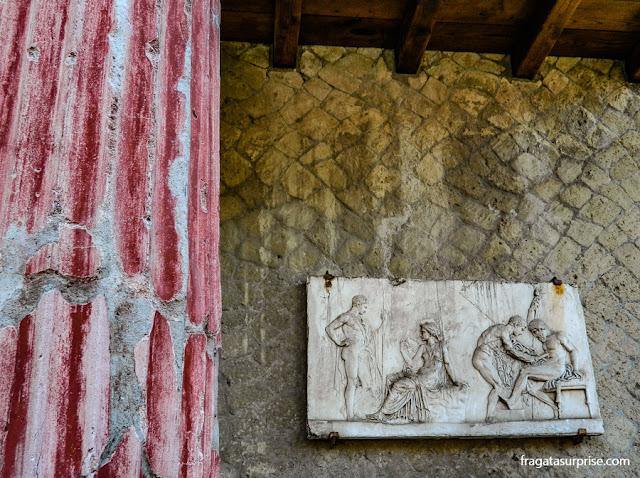 Relevo de Télefo, sítio arqueológico de Herculano, Itália