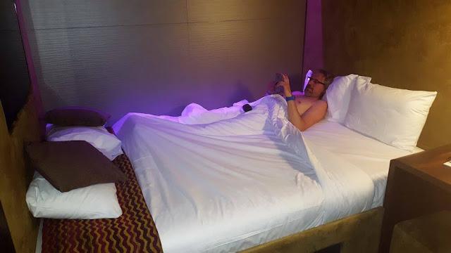 cama bloc hotel gatwick