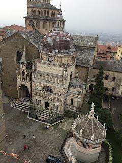 The Cappella Colleoni and (bottom left) il Battistero in Piazzetta del Duomo