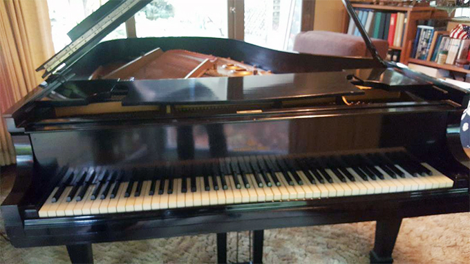 Free Baby Grand Piano - Craigslist Curb Alert
