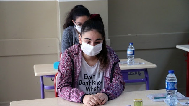 Εισαγγελική έρευνα για απειλές κατά καθηγητών για τη χρήση μάσκας στα σχολεία