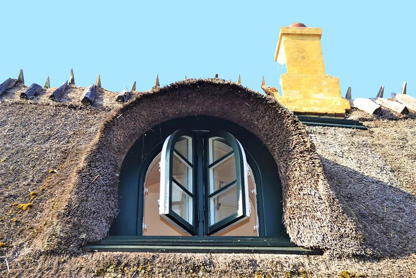 In Danimarca Dragør, il borgo dai tetti di paglia