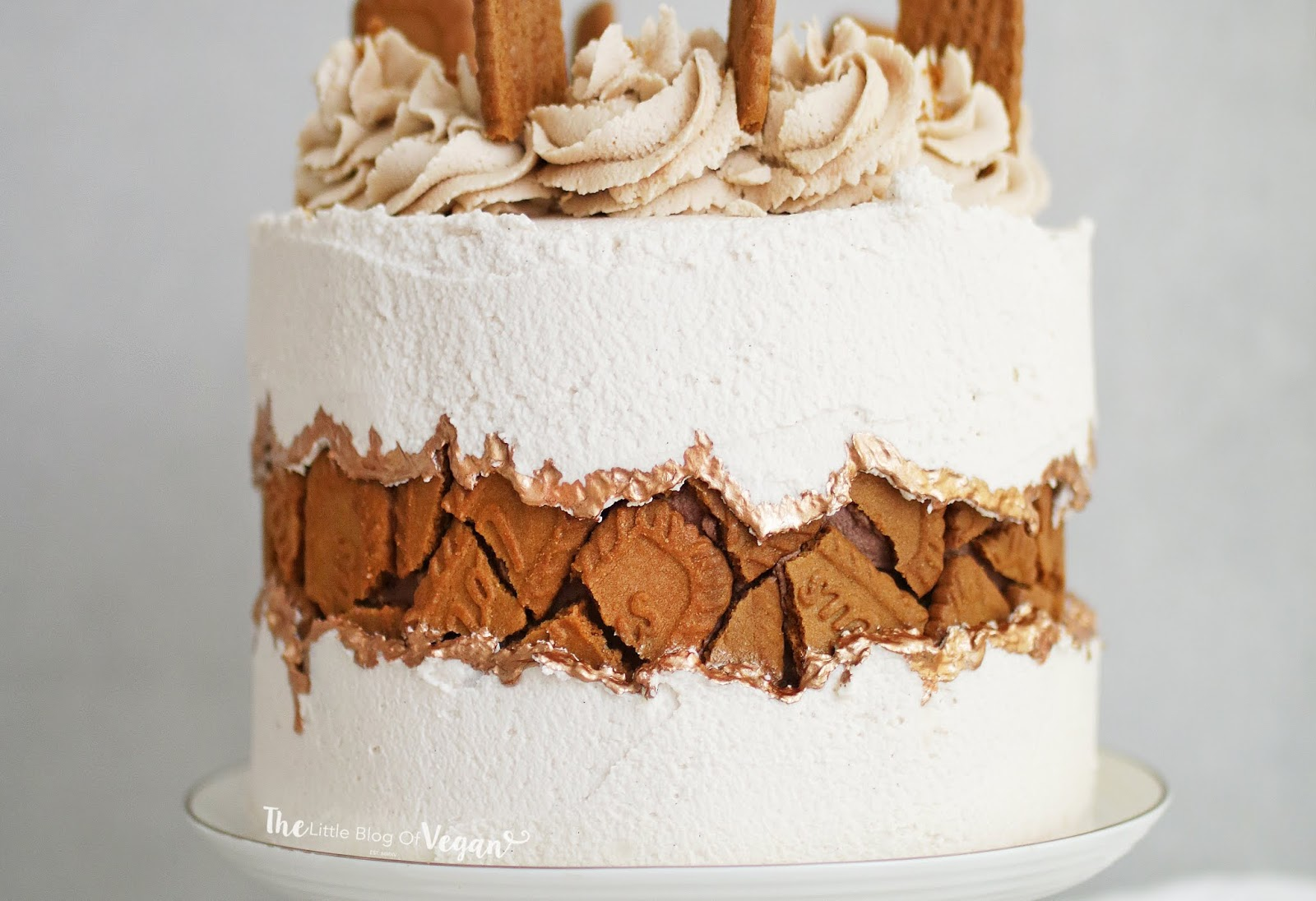 Biscoff fault line cake recipe