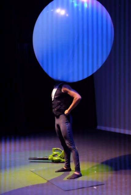 Apresentação Mr. Balão show surpreendente e inovador de Humor e Circo Produtora