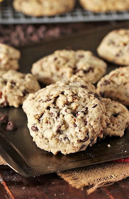 Famous DoubleTree Chocolate Chip Cookies Image