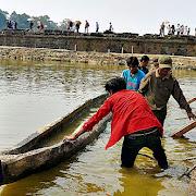 В Камбодже обнаружена древняя лодка