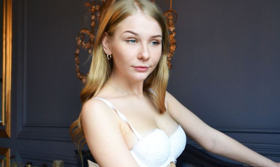 PollyPeachy Model GlamourCams