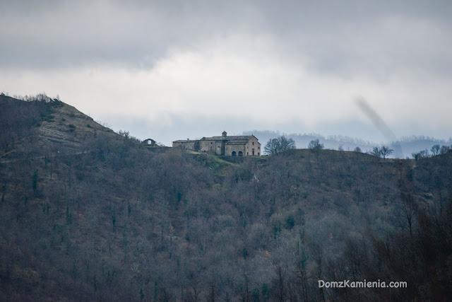 Appennino Tosco Romagnolo - Dom z Kamienia