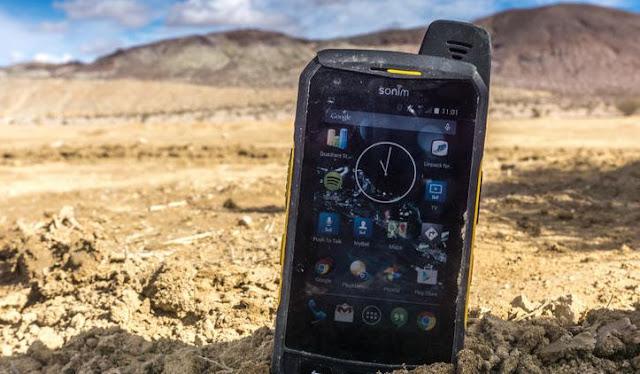 12 Ponsel Anti Air serta Banting Murah untuk Kegiatan Outdoor