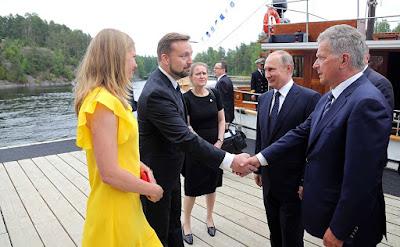 Arrival at Olavinlinna Castle. Vladimir Putin and President of Finland Sauli Niinisto.