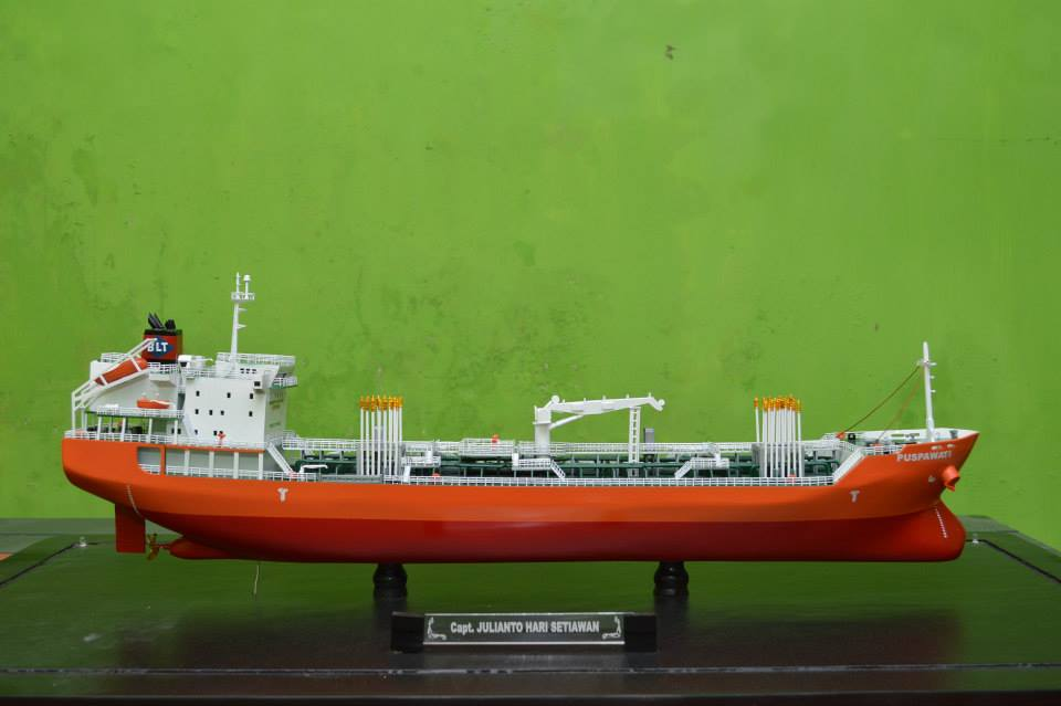 desain sketsa miniatur kapal tanker mt puspawati mid fighter pt pertamina jakrta surabaya batam singapore pelindo bumn indonesia