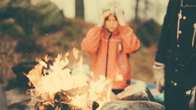 Un niño prende fuego a su amigo por un desafío en las redes sociales