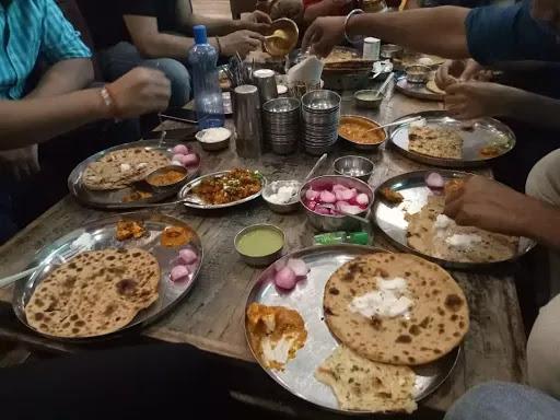 Food at Garam Dharam