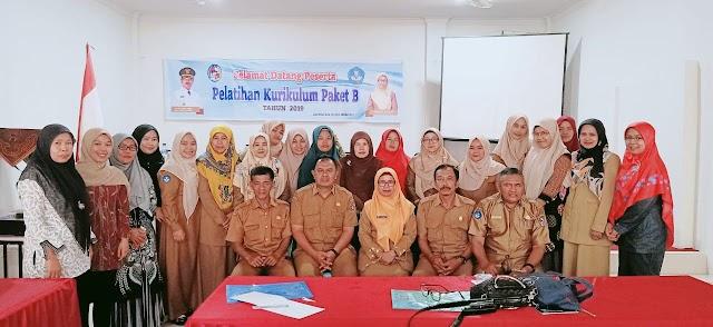 "Dinas Pendidikan Dan Kebudayaan,  Kabupaten Lima Puluh Kota,""Gelar Pelatihan K-2013 Paket B"