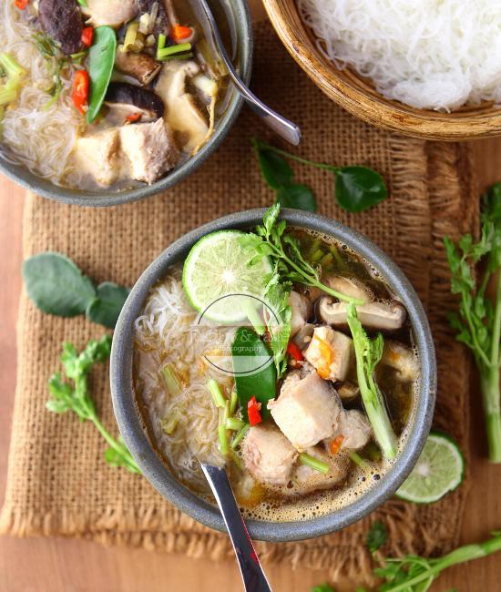 Resep Bihun dengan Sup Ikan Tom Yum