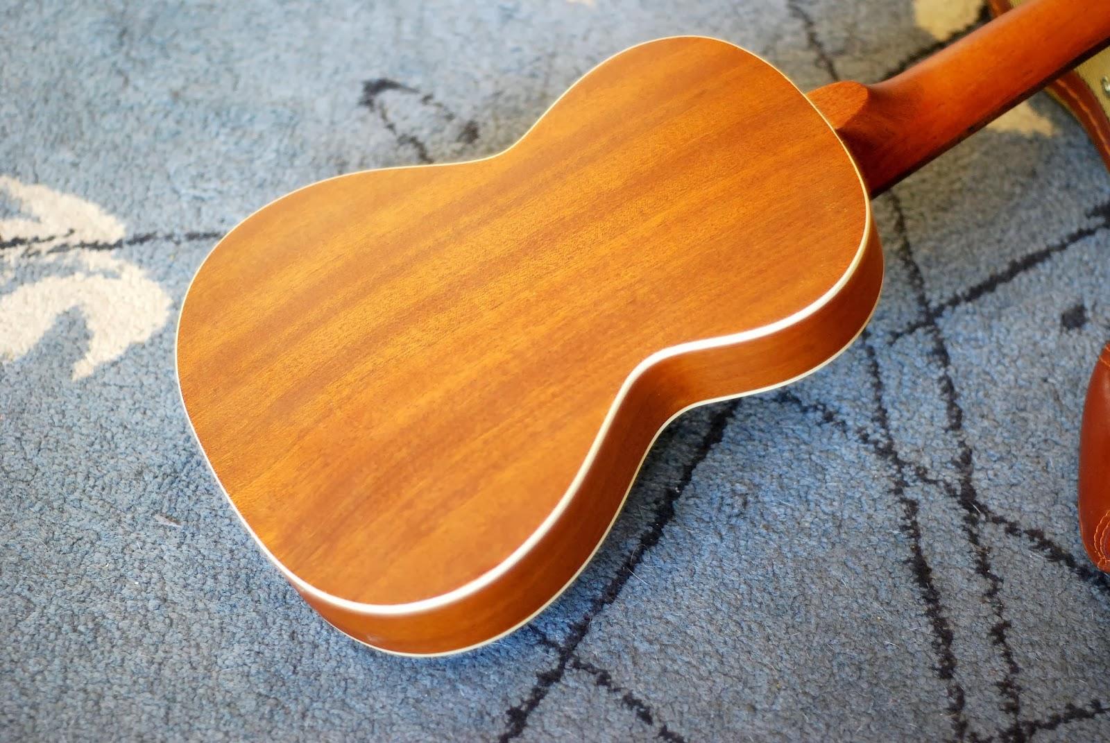 Ohana TKS-15E ukulele back
