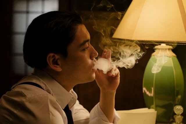 धूम्रपान केल्याने आपल्या सोबत ईतर लोकांनाही होतो हा आजार