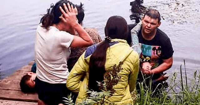 Мужчина вытащил со дна реки двоих малышей, оставленных родителями без присмотра