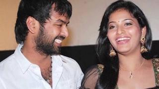 Actress Anjali Confirms Her Love With Jai !