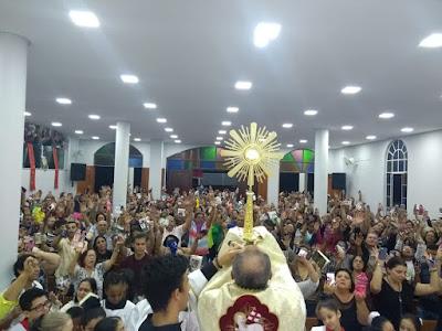 Adoração ao Santíssimo   O poder da Adoração ao Santíssimo