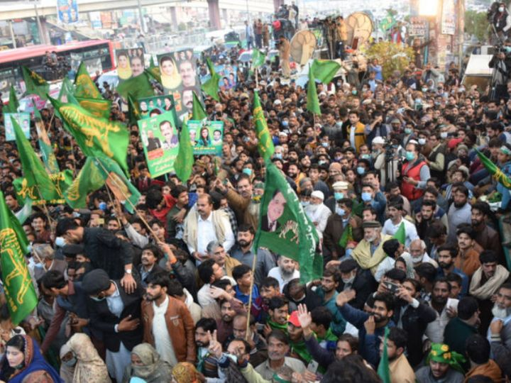 Lockdown at 13 places before anti-government rally in Pakistan, opposition leader said - rally will be held