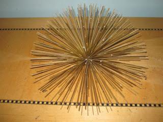 Mid Mod atomic spiky metal gold wall decor anemone 50's Jeres era