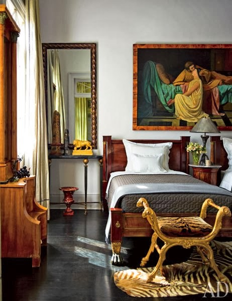 New Home Interior Design: A Glamorous and Historic New ...