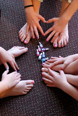 spin the nail polish game for little girls