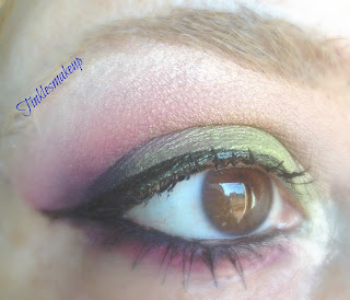 eye_makeup_look_smoky_cranberry