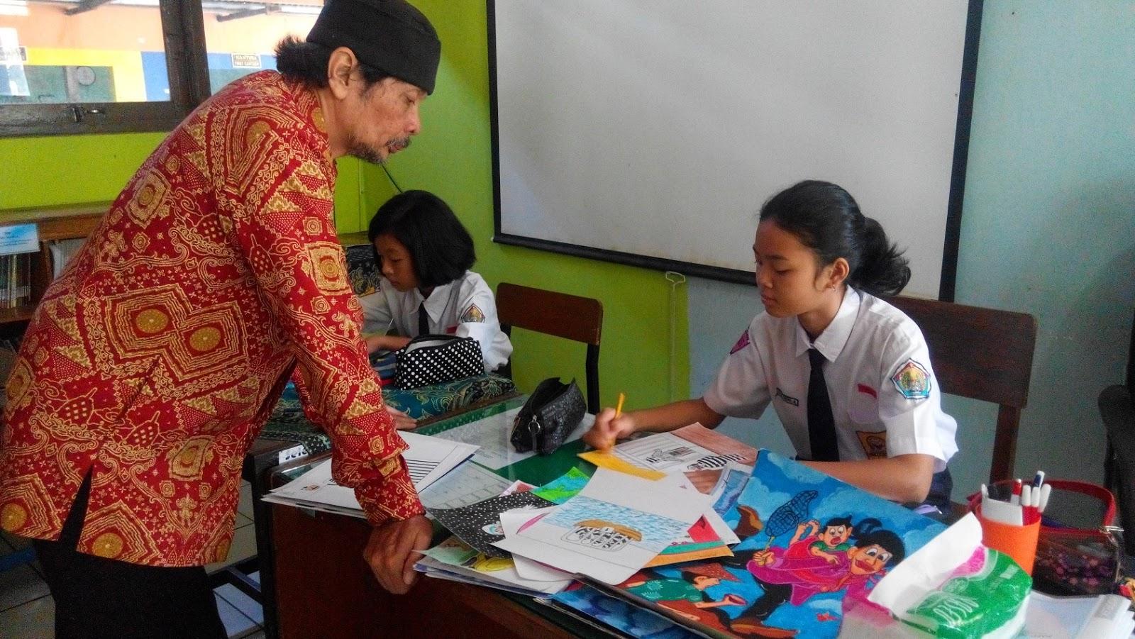 Hebat Guru SMPN 17 Semarang Ini Inspirasi Siswa Aktif Lomba Kartun