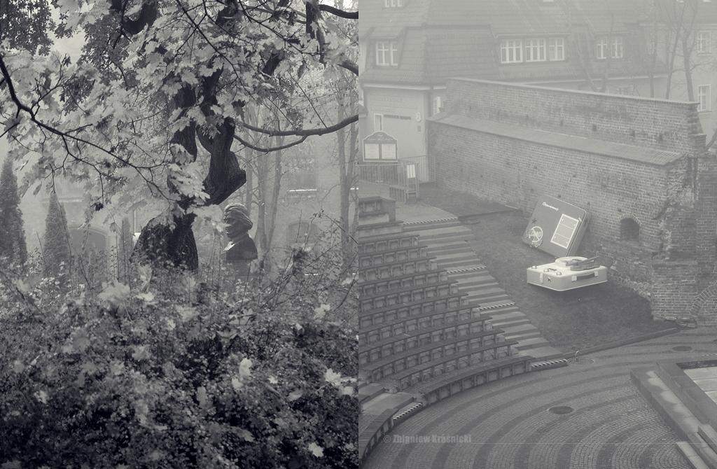 Olsztyn we mgle, pomnik Mickiewicza, amfiteatr