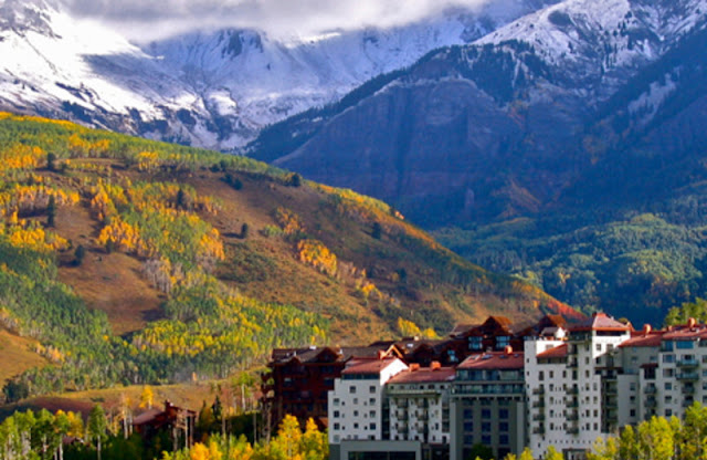 Located a short walk from the Telluride—Mountain Village Gondola, The Peaks Resort & Spa offers warm, welcoming hospitality, a wide selection of comfortable rooms, suites & penthouses, an unmatched collection of onsite amenities, and a convenient ski-in/ski-out location.