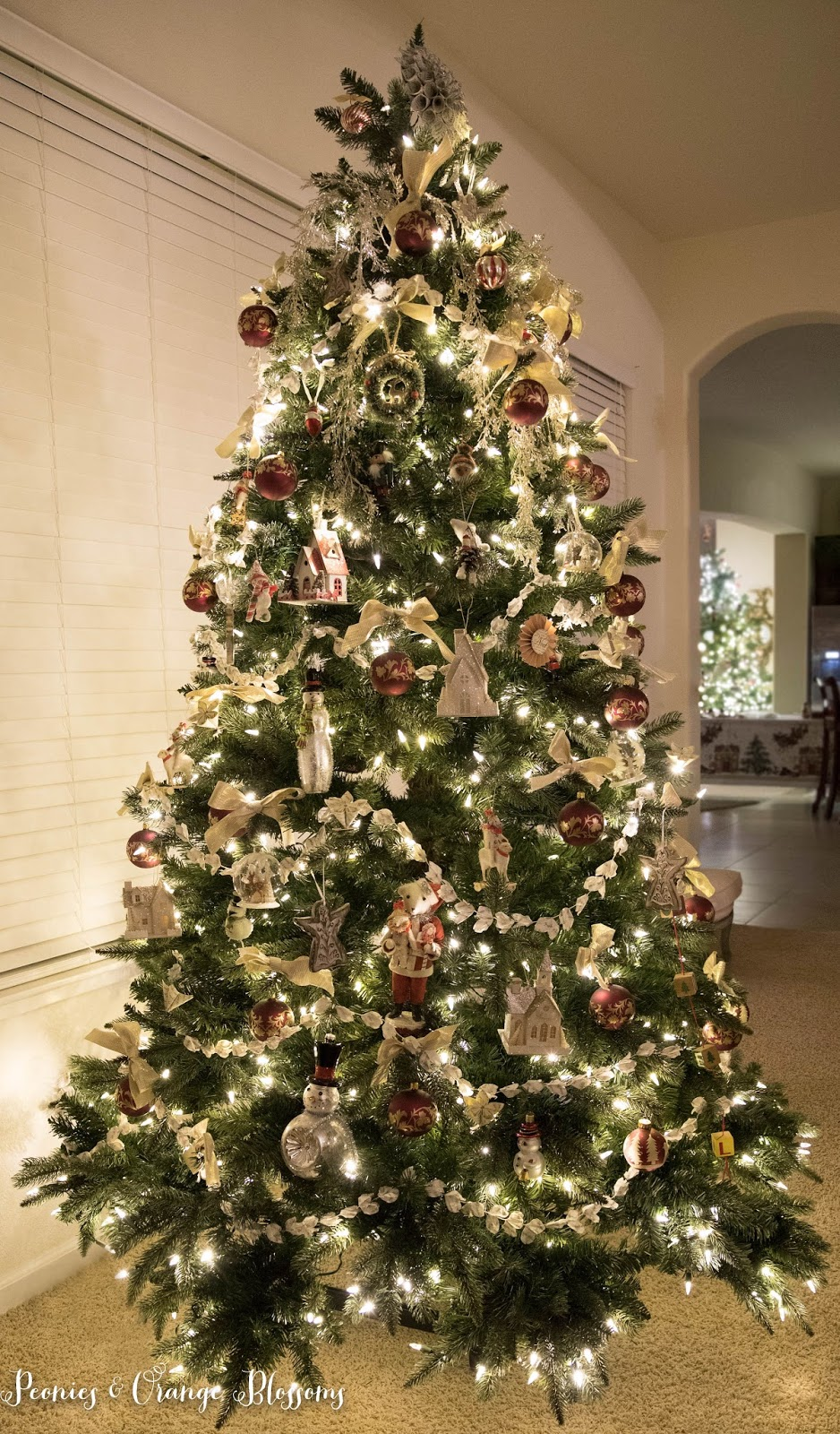 Classic Vintage Christmas Tree Decorating Ideas