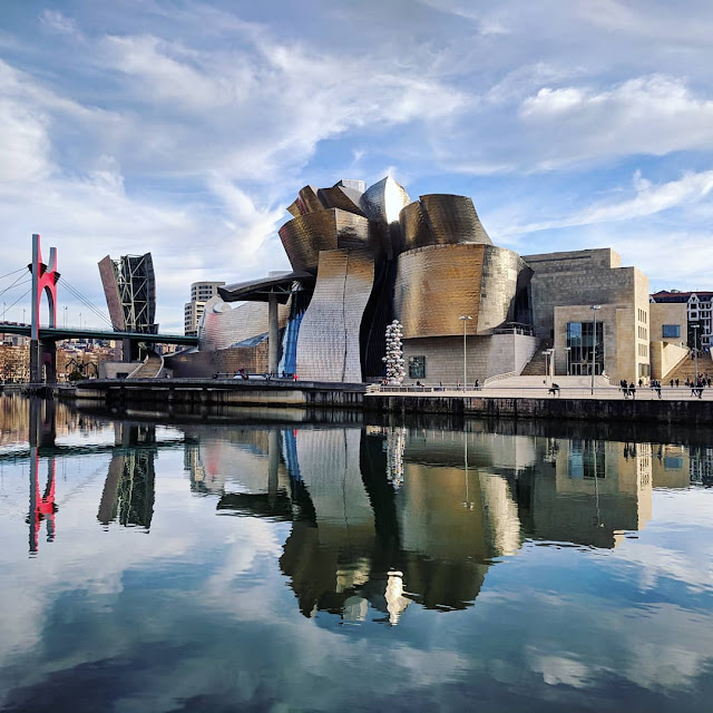 One Week in Bilbao for Christmas: Reflections of the Guggenheim Museum
